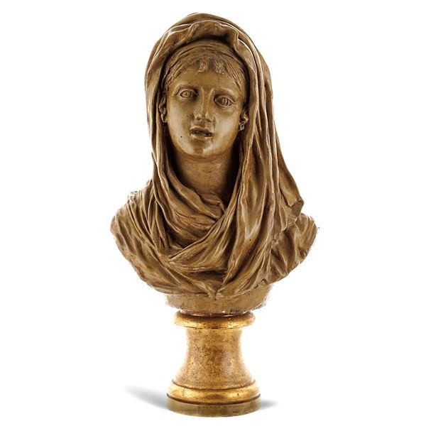 Busto femminile in terracotta