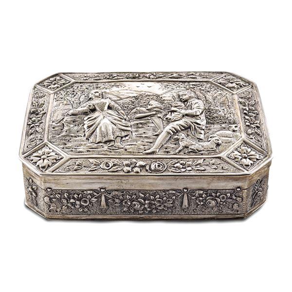 Scatola ottagonale in argento