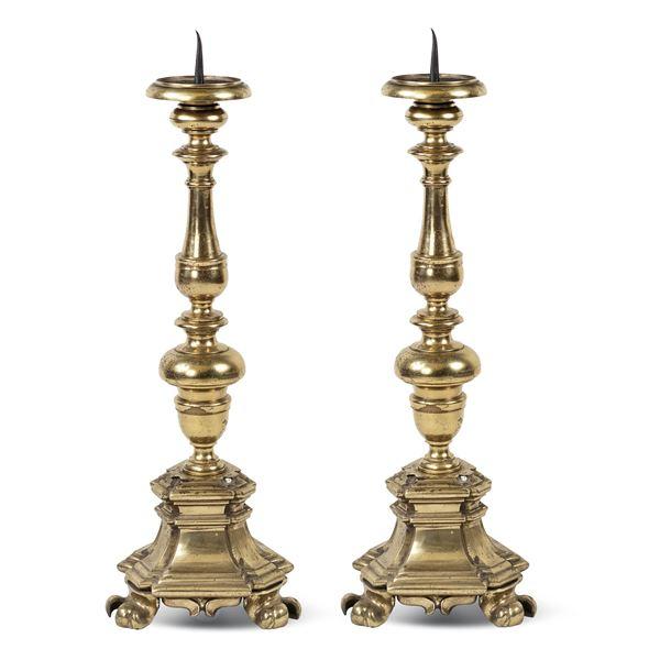 Coppia di torcieri in bronzo