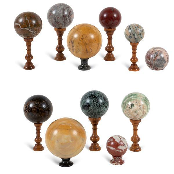 Collezione di sfere in marmi vari  (11)