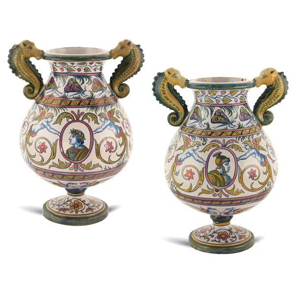 Coppia di vasi in maiolica Gualdo Tadino