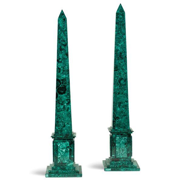 Coppia di obelischi in malachite