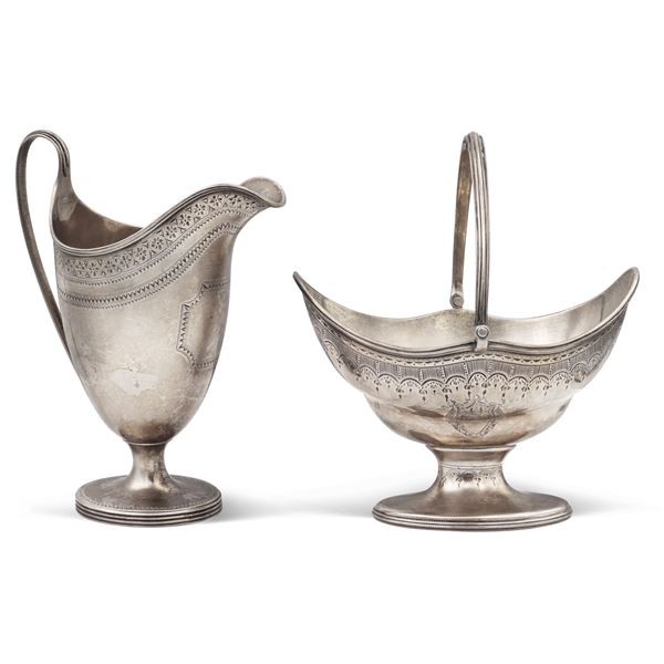 Gruppo di oggetti in argento (2)