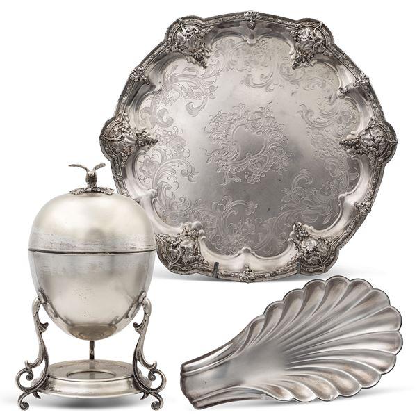 Gruppo di oggetti in metallo (3)