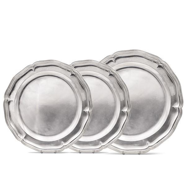 Tre piatti da portata in argento