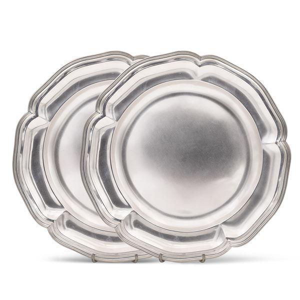 Coppia di piatti da portata in argento
