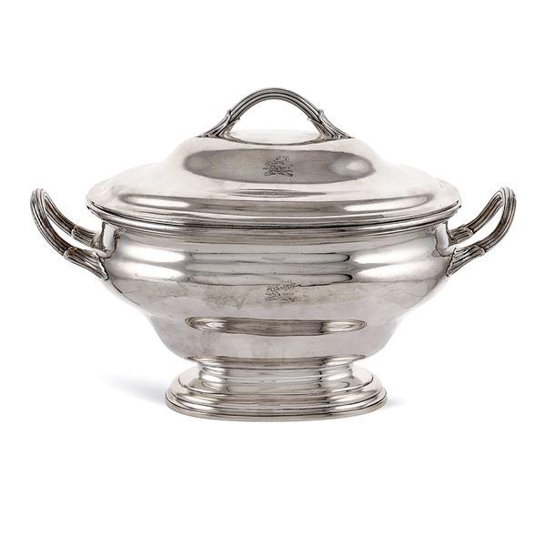 Zuppiera ovale in argento