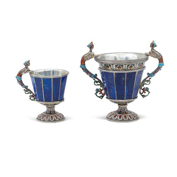 Due coppe in argento, sezioni in lapislazzulo e smalti policromi
