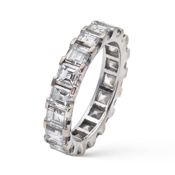 Anello fede in oro bianco e diamanti
