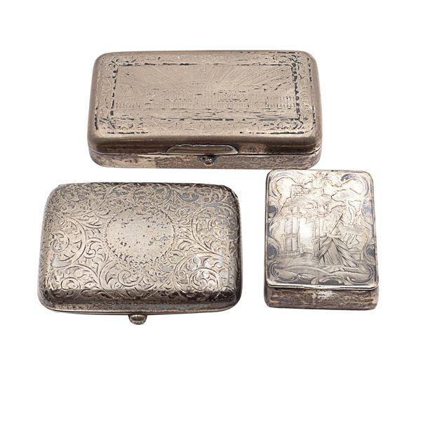 Gruppo di tabacchiere in argento e niello (3)