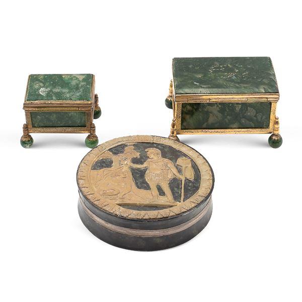 Gruppo di scatole in marmo e rame dorato (3)