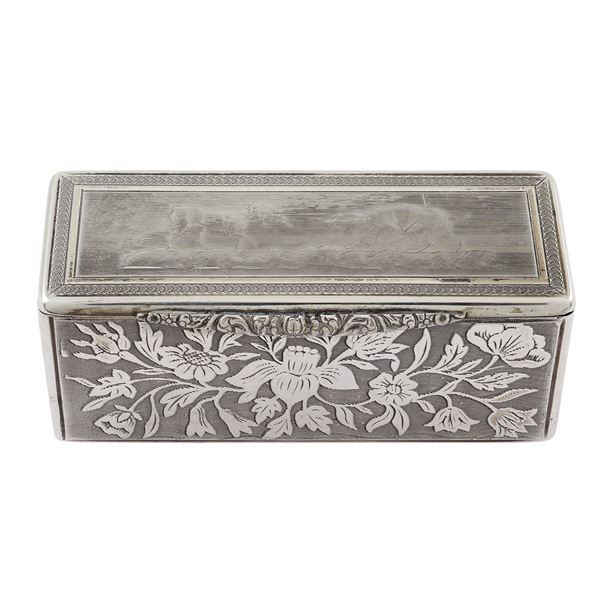 Tabacchiera rettangolare in argento