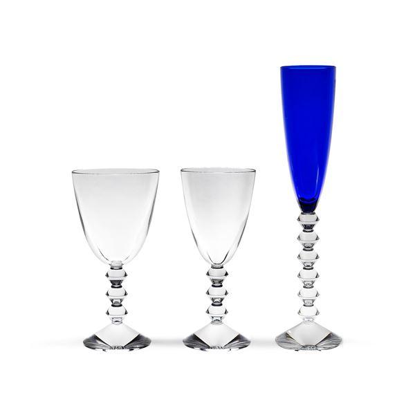 Baccarat, servizio di bicchieri in cristallo trasparente e blu cobalto (36)