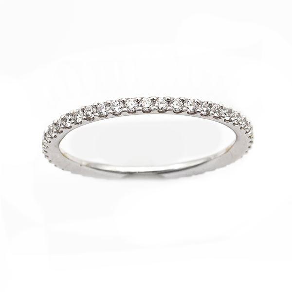 Anello fede in oro bianco 18kt e diamanti