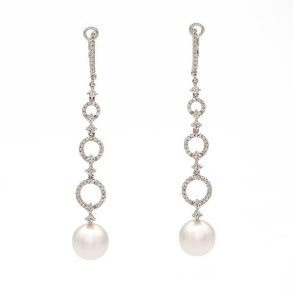 Orecchini pendenti in oro bianco 18kt con diamanti